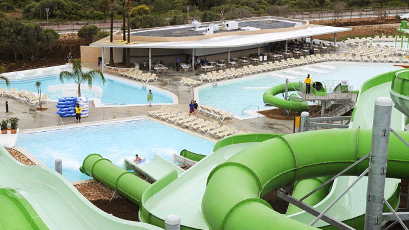 El Consell del PP va permetre construir el parc aquàtic damunt sòl rústic perquè desestacionalitzava la temporada.