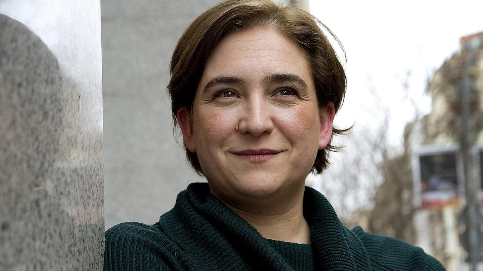 Ada Colau lidera Barcelona en Comú. Repetirà l'estratègia de Pablo Iglesias a les europees.