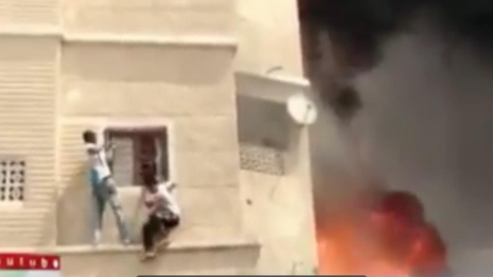 Rescat extrem d'un nen atrapat en una casa bombardejada de Síria