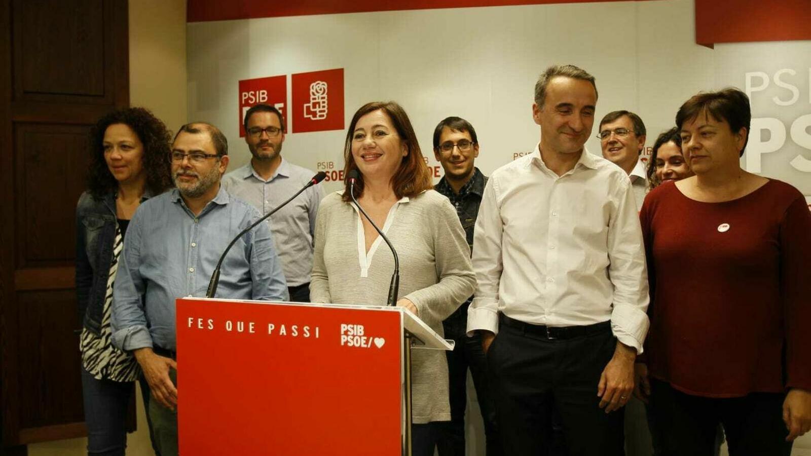 Imatge dels representants dels PSIB després de les eleccions autonòmiques del 28 d'abril.