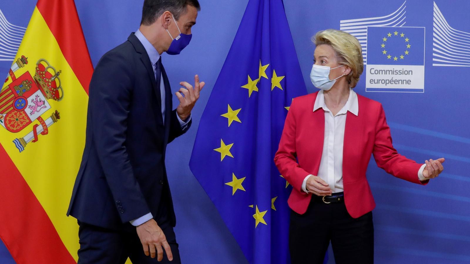 El president espanyol, Pedro Sánchez, amb la presidenta de la Comissió, Ursula Von der Leyen.