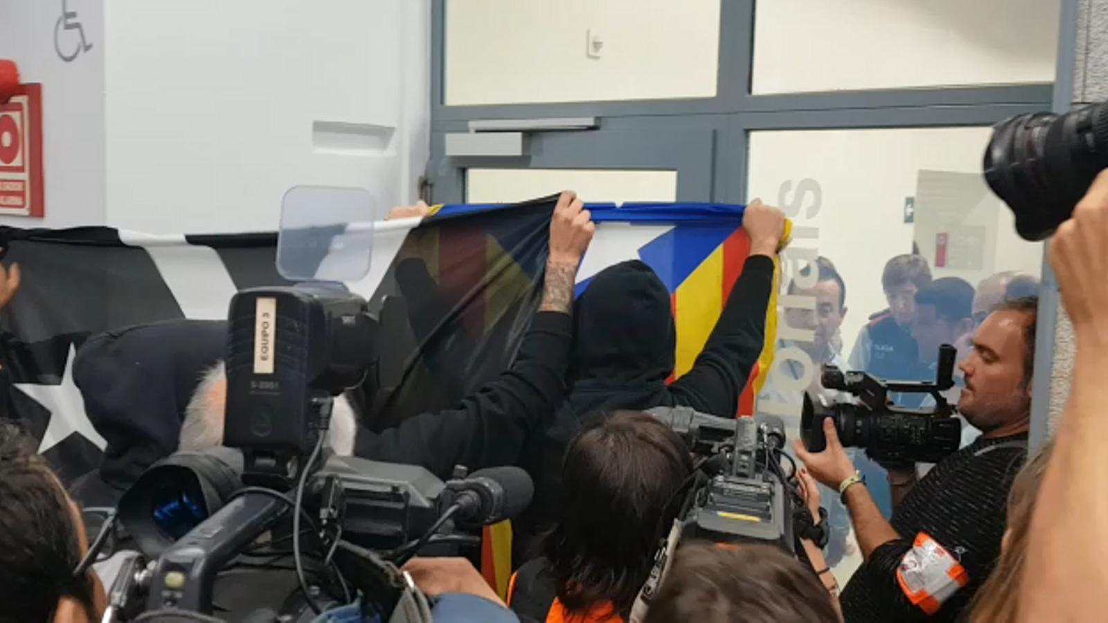El personal de seguretat frena els CDR a Girona