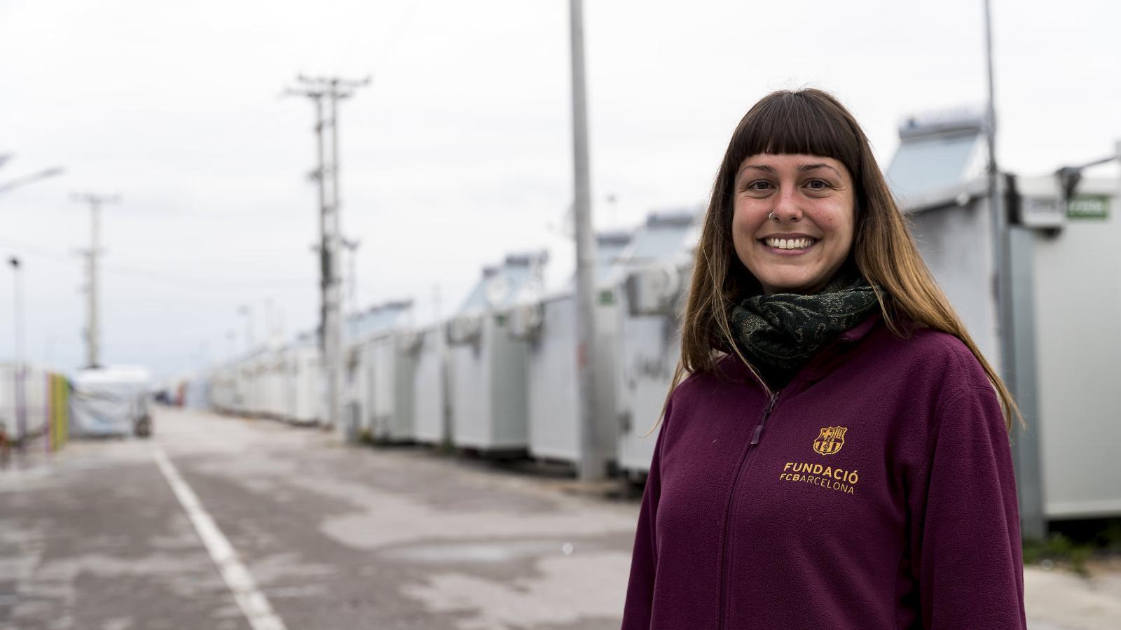 Sandra Aguilar és a Atenes des de l'estiu per posar en marxa el projecte FutbolNet a les escoles i als camps de refugiats.