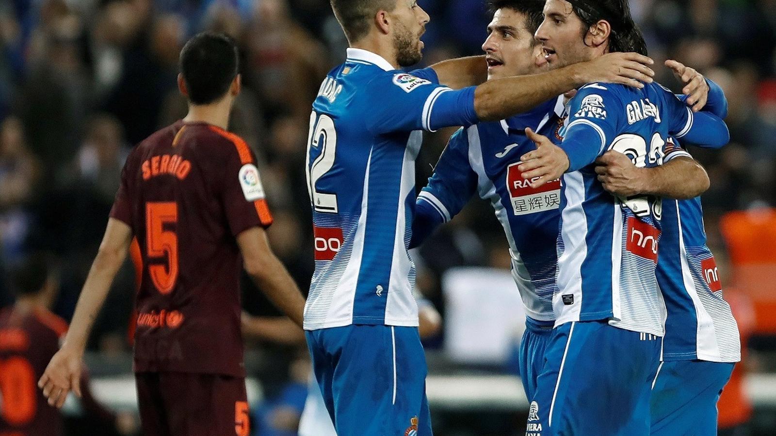 Els jugadors de l'Espanyol, celebrant la victòria contra el Barça