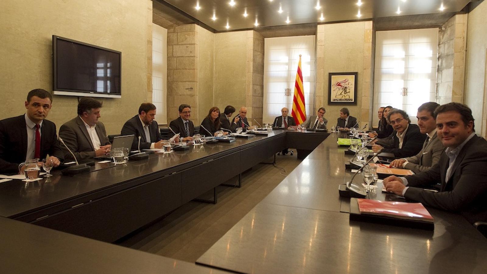 Els líders catalans reunits al Palau de la Generalitat pel pacte fiscal / PERE TORDERA