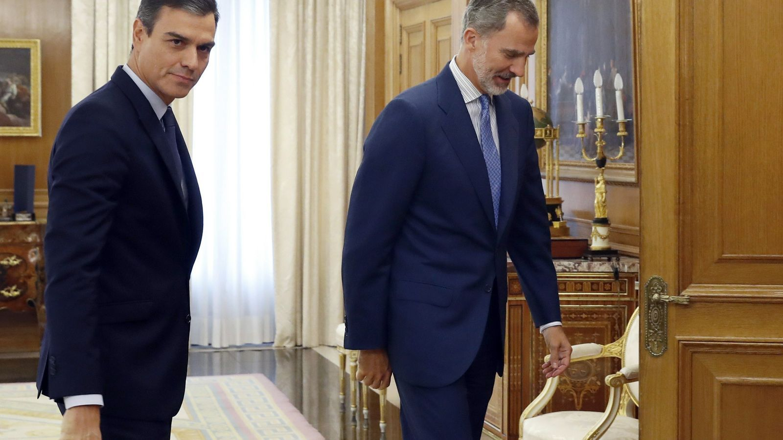 El rei Felip no designa candidat a la presidència perquè Sánchez no té suficients
