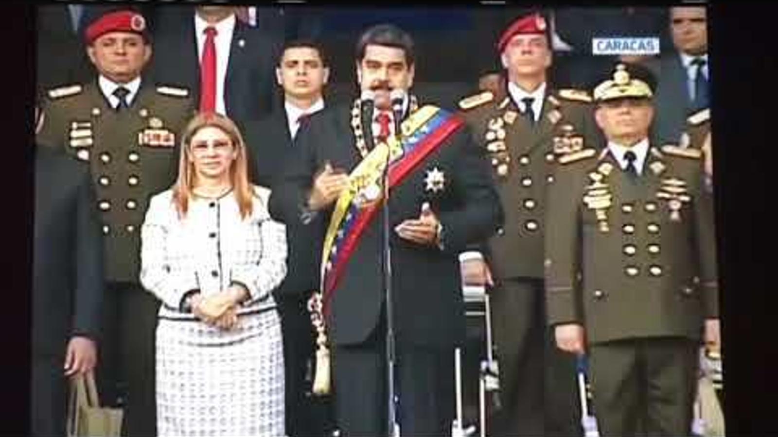 Maduro surt il·lès d'un atemptat amb drons i n'acusa el president de Colòmbia
