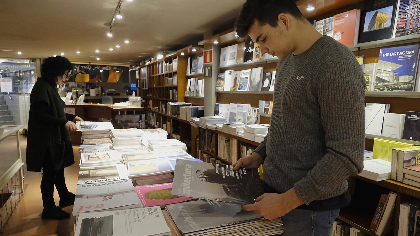 Les revistes muten en llibres per sobreviure a la web