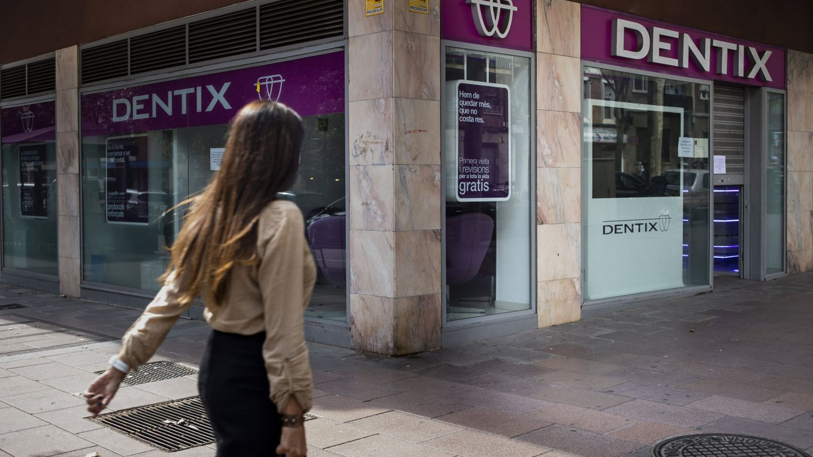 Local de Dentix al passeig  de Fabra i Puig de Barcelona.