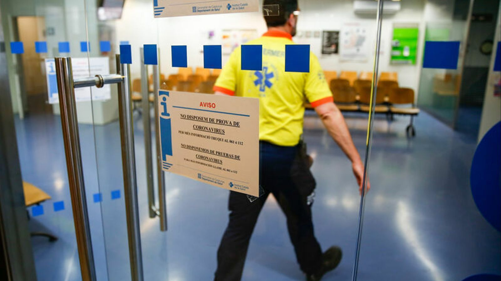 Urgències del CAP de Manso de Barcelona, on s'avisa que no tenen tests pel coronavirus.