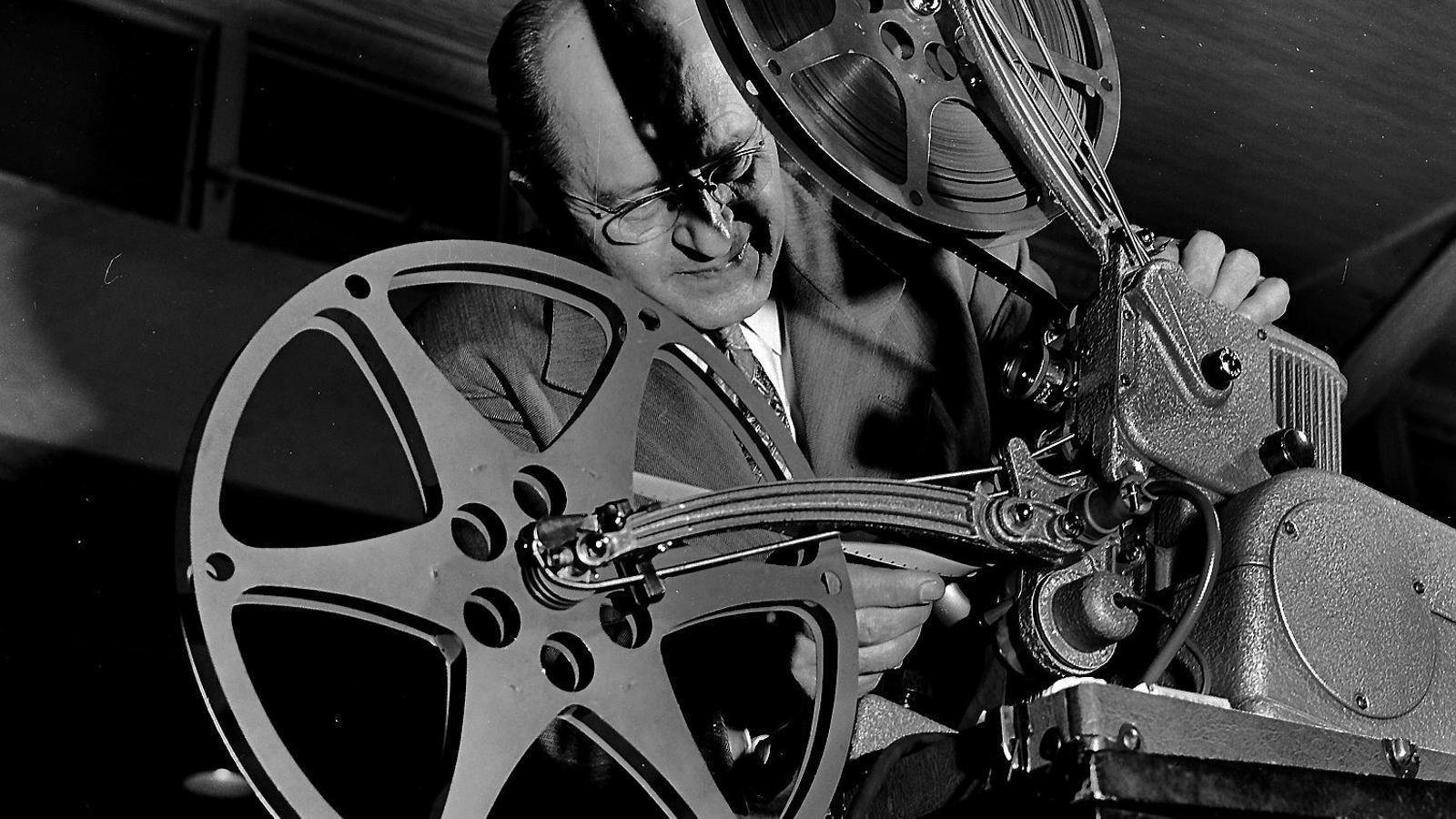 """""""De jove anava al Cinerama Waldorf, que ja va tancar. Allà hi vaig veure El desafío de las águilas. T'agraden les pel·lícules de nazis?"""""""