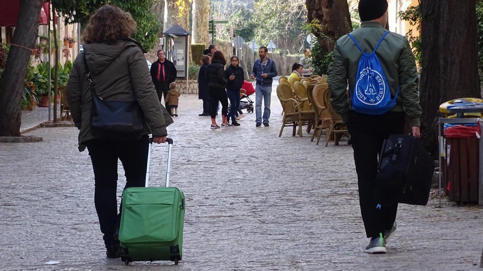 La majoria de pobles ja compten amb places turístiques legals de pisos.