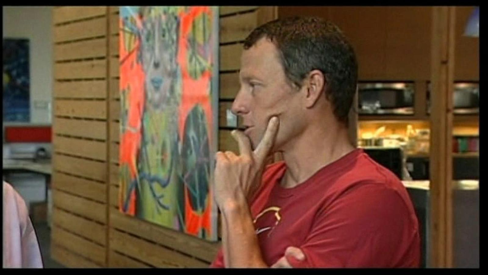 Armstrong abandona la lluita pel cas de dopatge