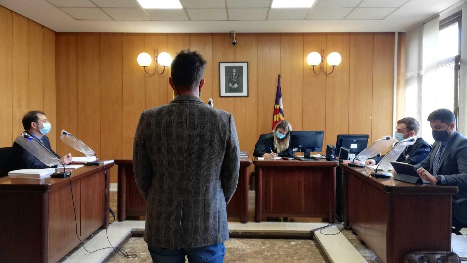 Jutgen el fill de Cursach per fer-se passar suposadament per un testimoni i acusar Penalva i Subirán de pressions