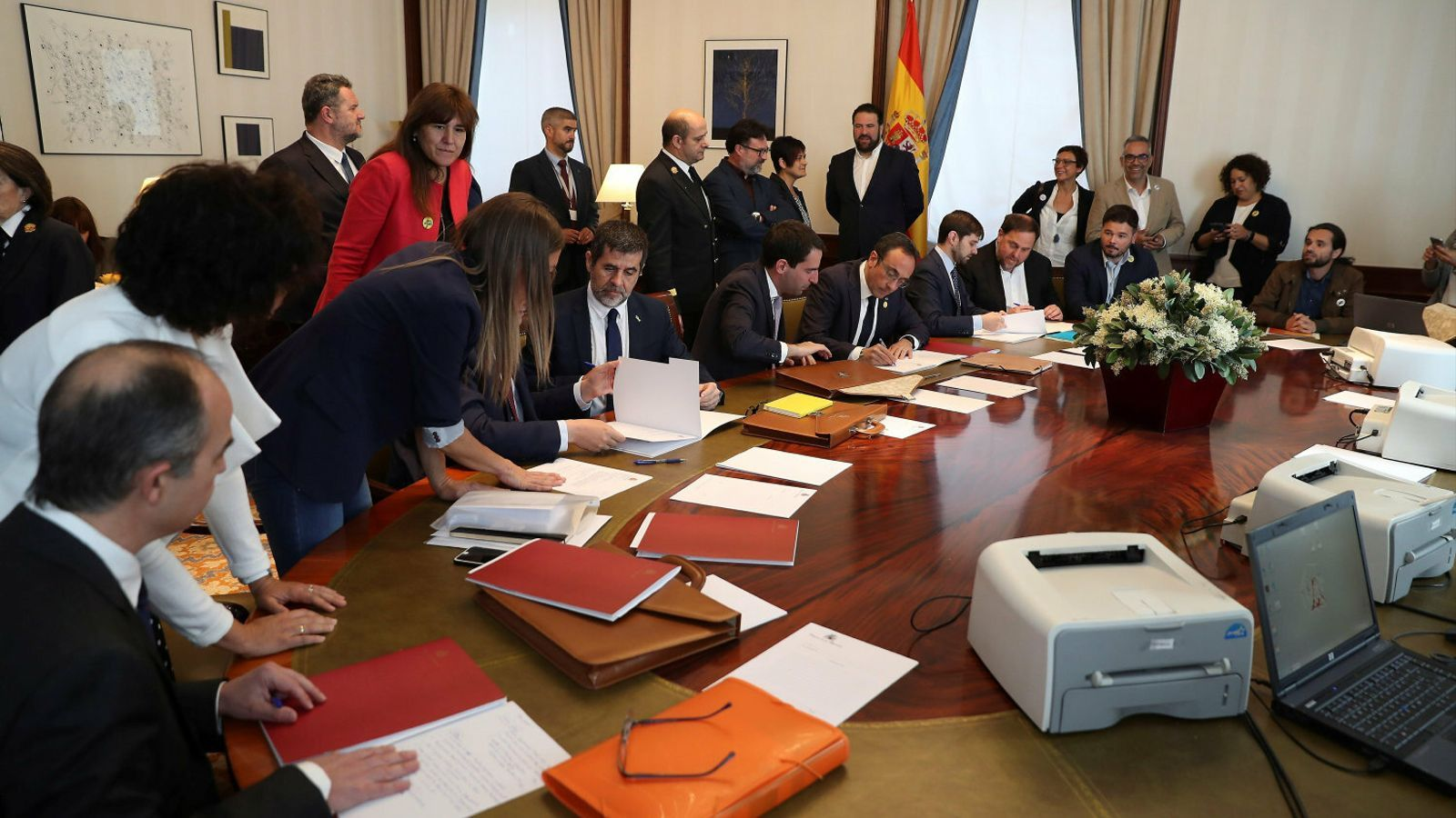 Jordi Sànchez, Josep Rull i Oriol Junqueras tramitant les seves actes parlamentàries al Congrés.