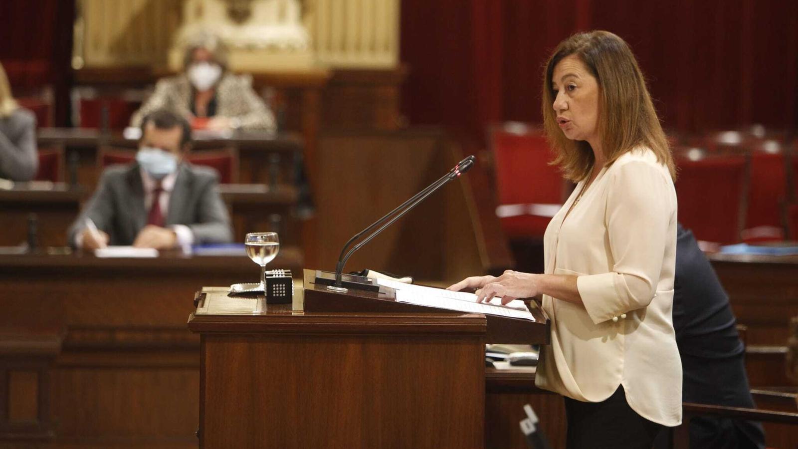 Un moment de la intervenció de la presidenta del Govern, Francina Armengol, en el debat de política general d'aquest dimarts