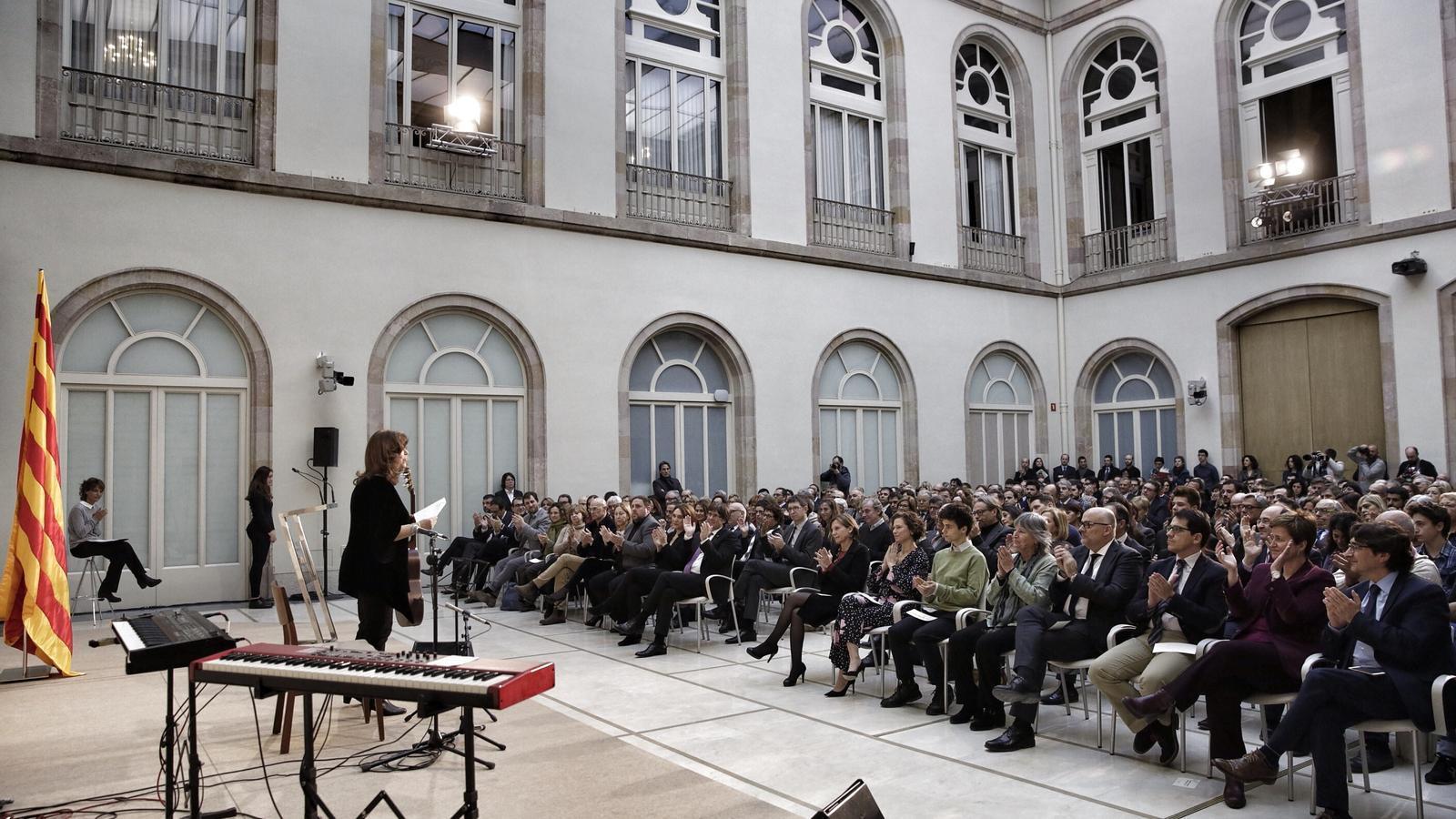 El món polític català s'ha reunit per homenatjar Muriel Casals / PERE VIRGILI