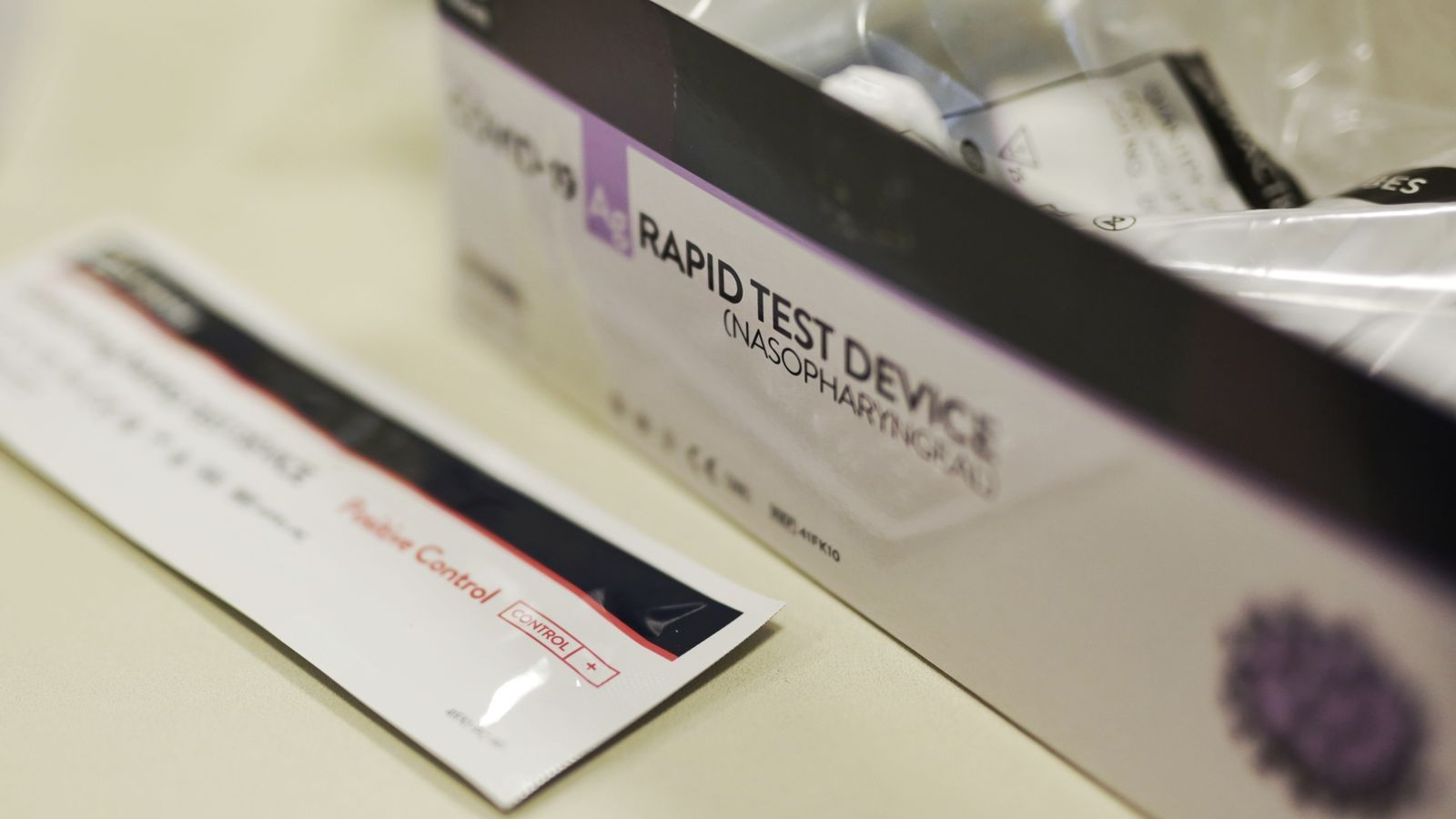 Salut prioritza temporalment els tests d'antígens per als contactes de positius