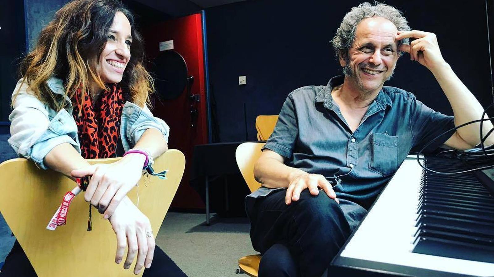 Ivette Nadal i Pascal Comelade a l'estudi de gravació.