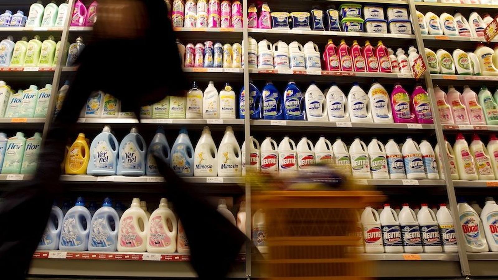 Consum no recuperarà la retolació en valencià dels productes en què la va retirar