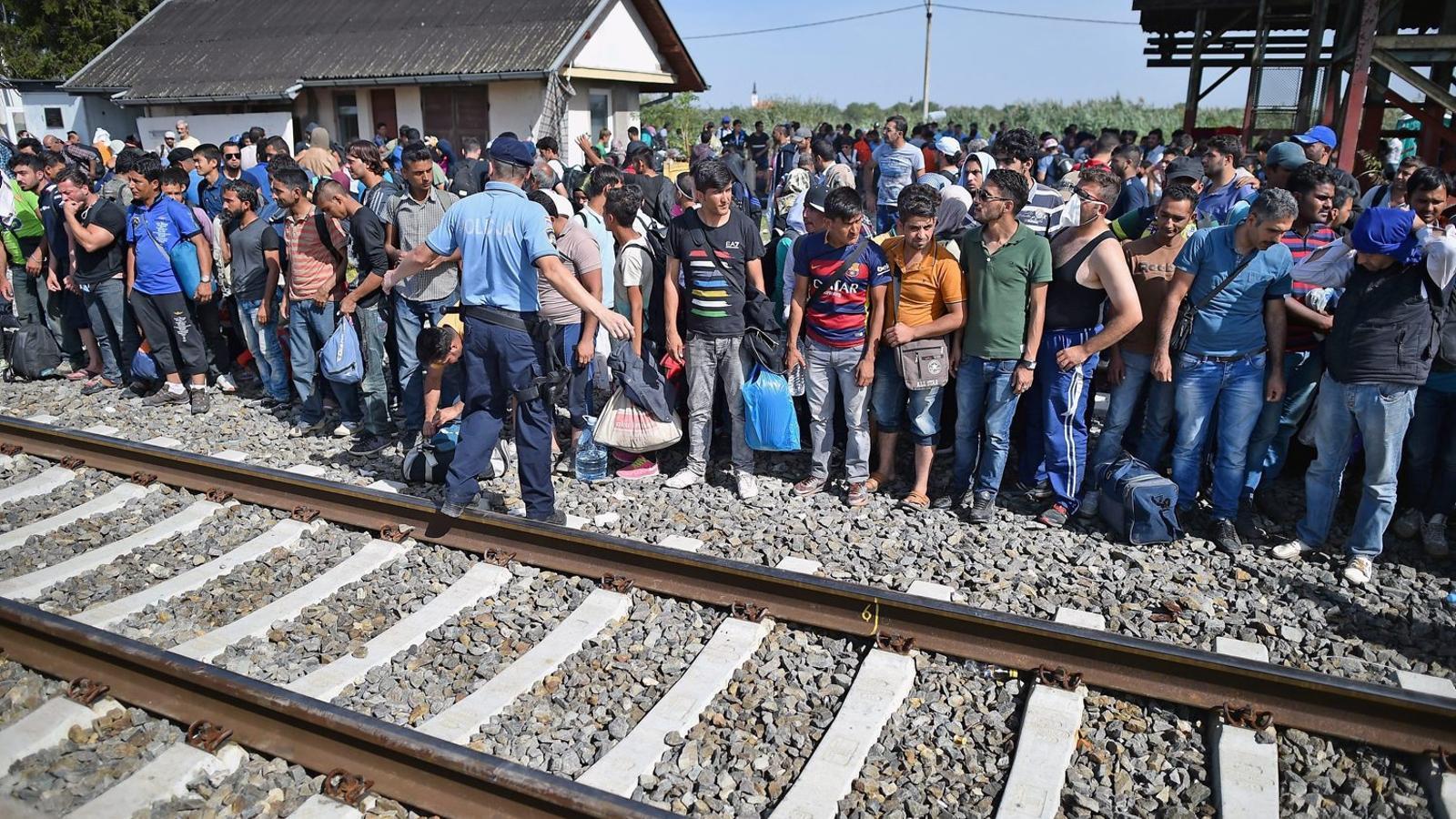 Croàcia, desbordada en una Europa dividida