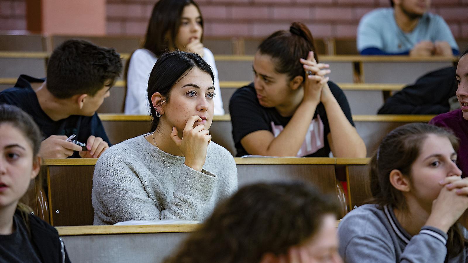 Alumnes en un dels exàmens de la selectivitat de l'any passat.