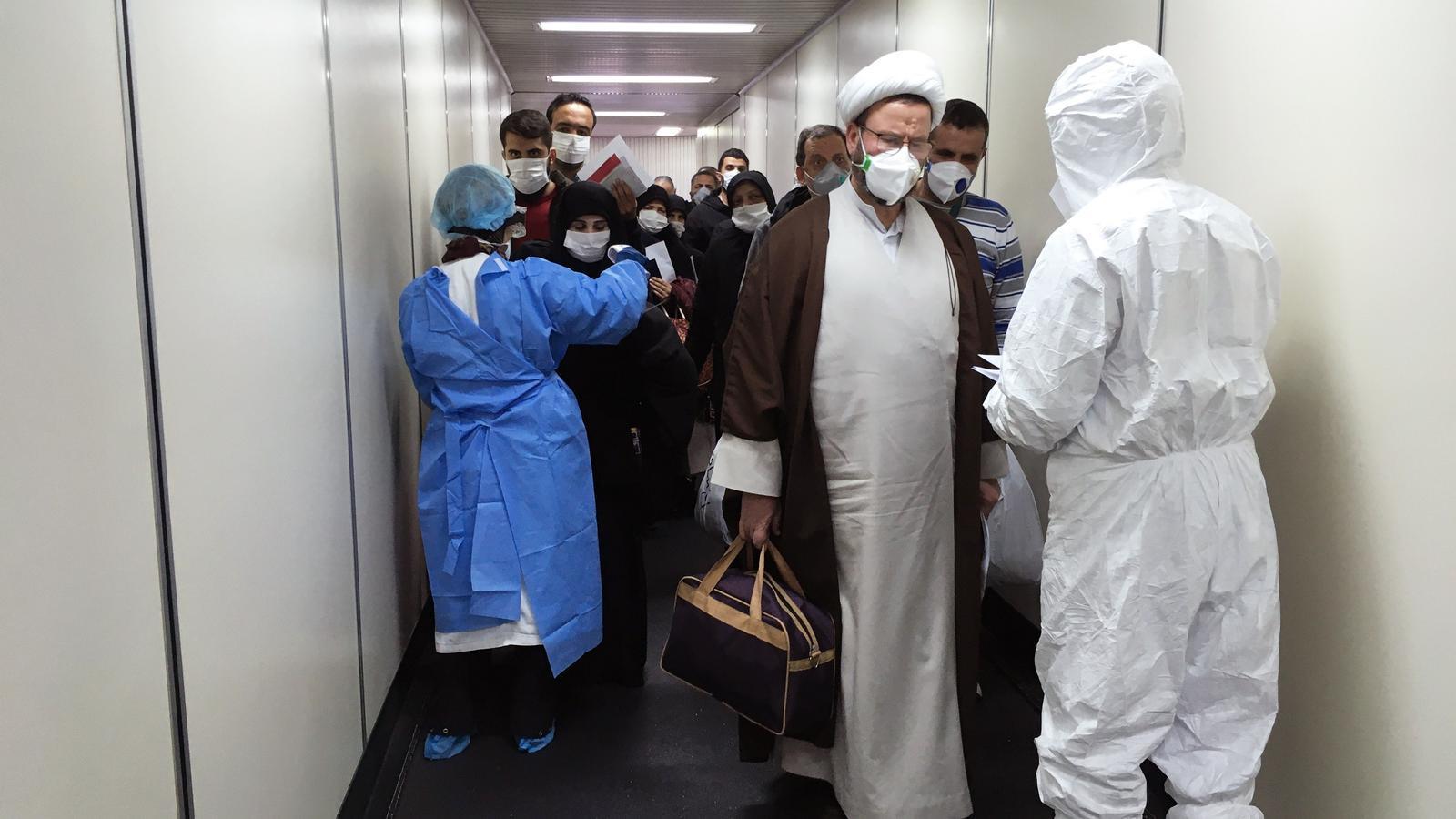 Sortir de l'Iran en desbandada enmig de la confusió pel coronavirus