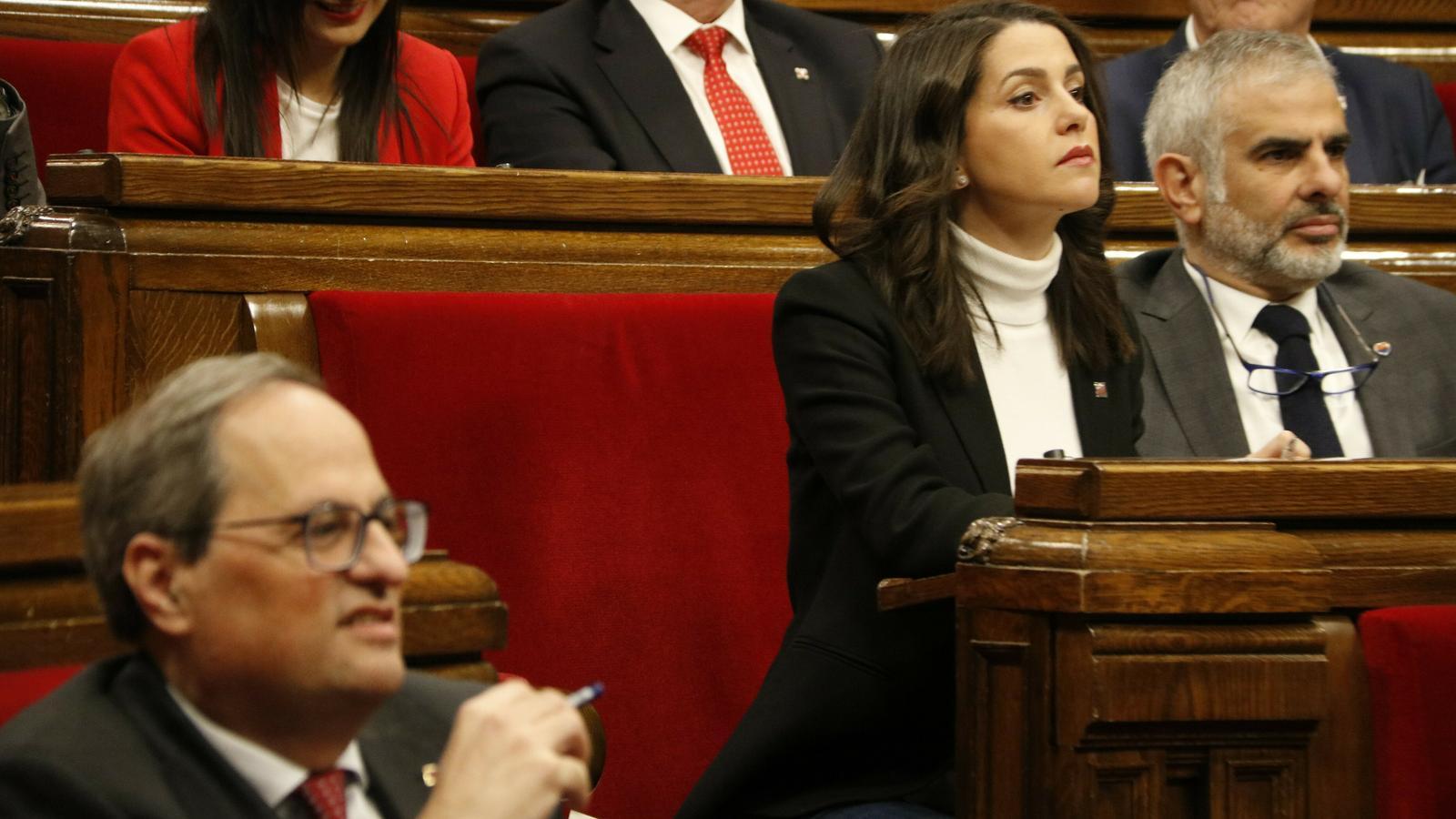 """Arrimadas es burla dels presos: """"Aquí són molt gallets però s'enfonsen davant dels jutges"""""""