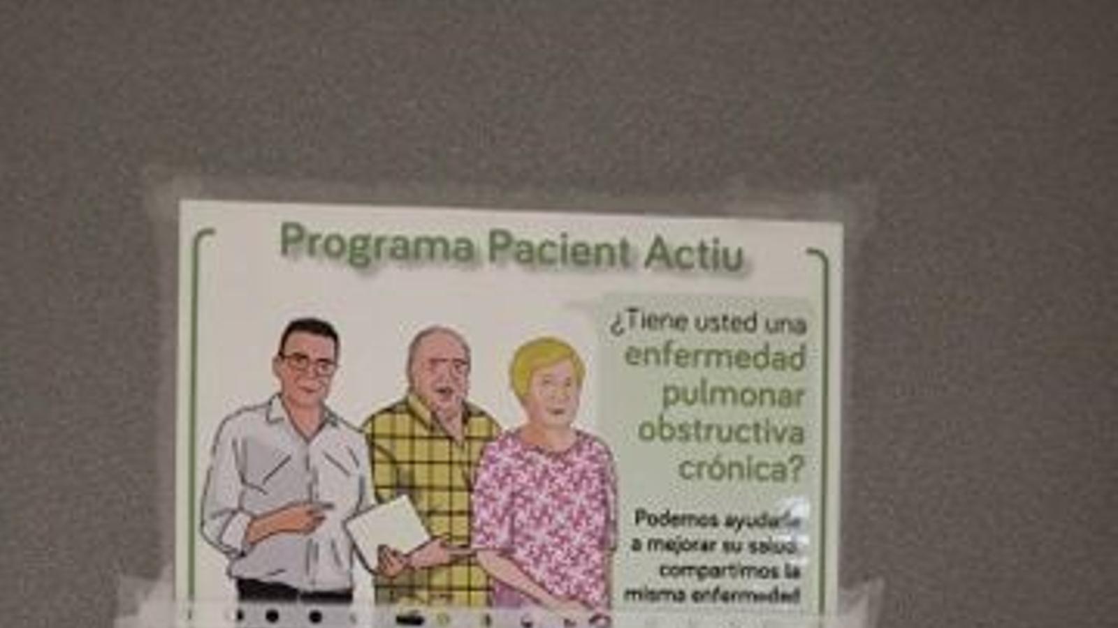 Fotografia d'un dels cartells en castellà que l'Assemblea posa d'exemple de substitució lingüística.