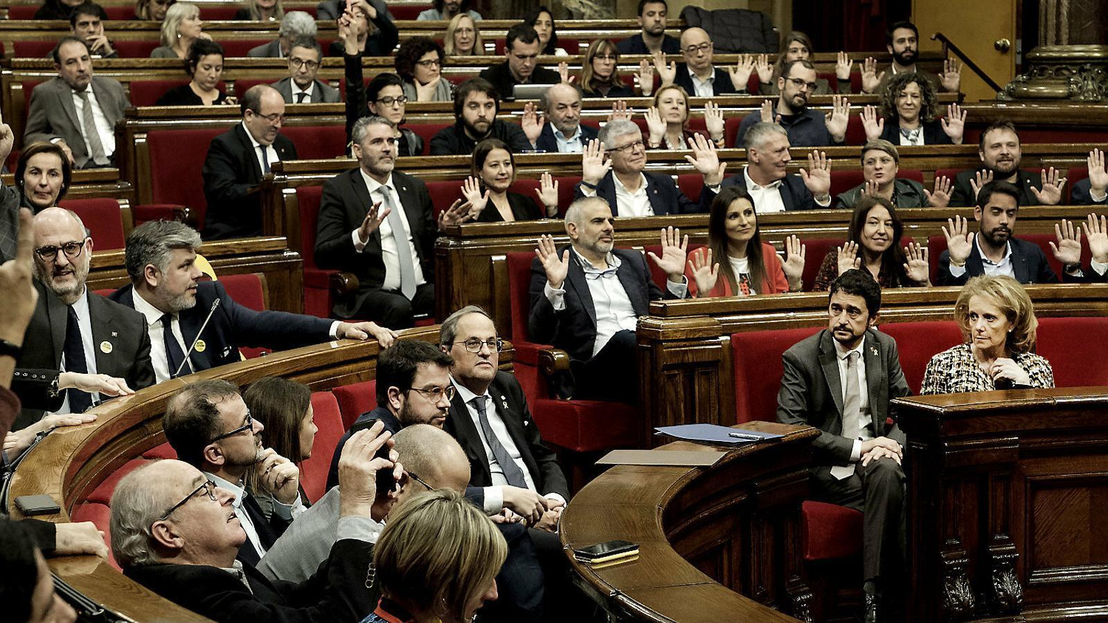 JxCat i ERC esgoten les  opcions de salvar el Govern