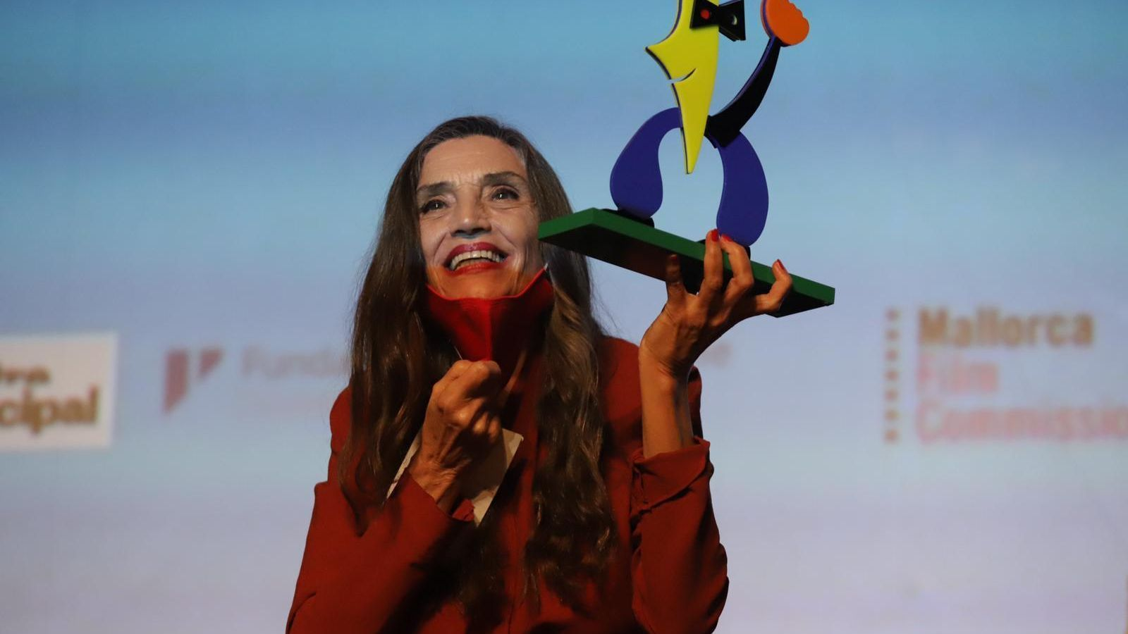 Ángela Molina amb el premi d'honor de l'Evolution Mallorca International Film Festival