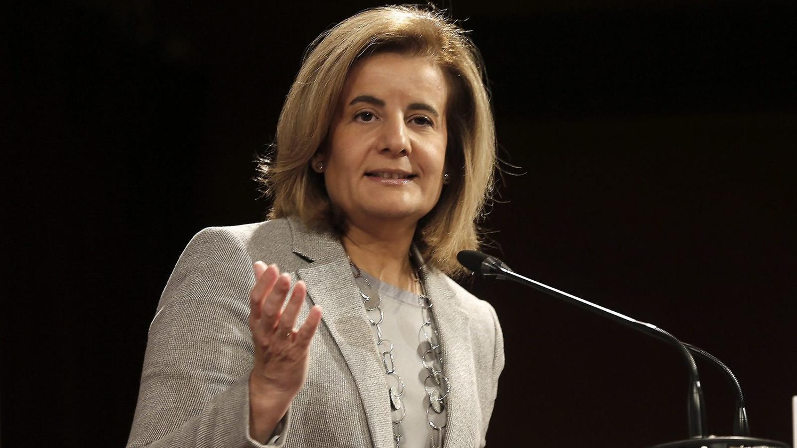 """Báñez insta patronal i sindicats a pactar un increment salarial: """"És moment que els sous pugin"""""""
