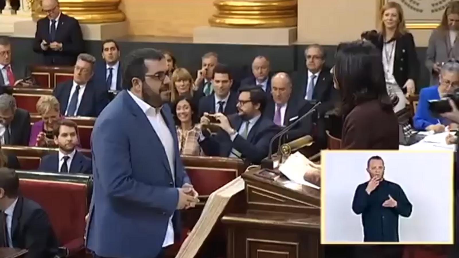 Vicenç Vidal en el moment en què prometia el càrrec