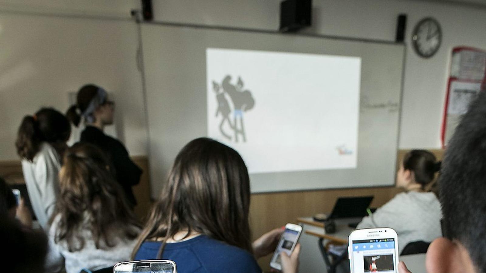 L'ús del mòbil  a les aules
