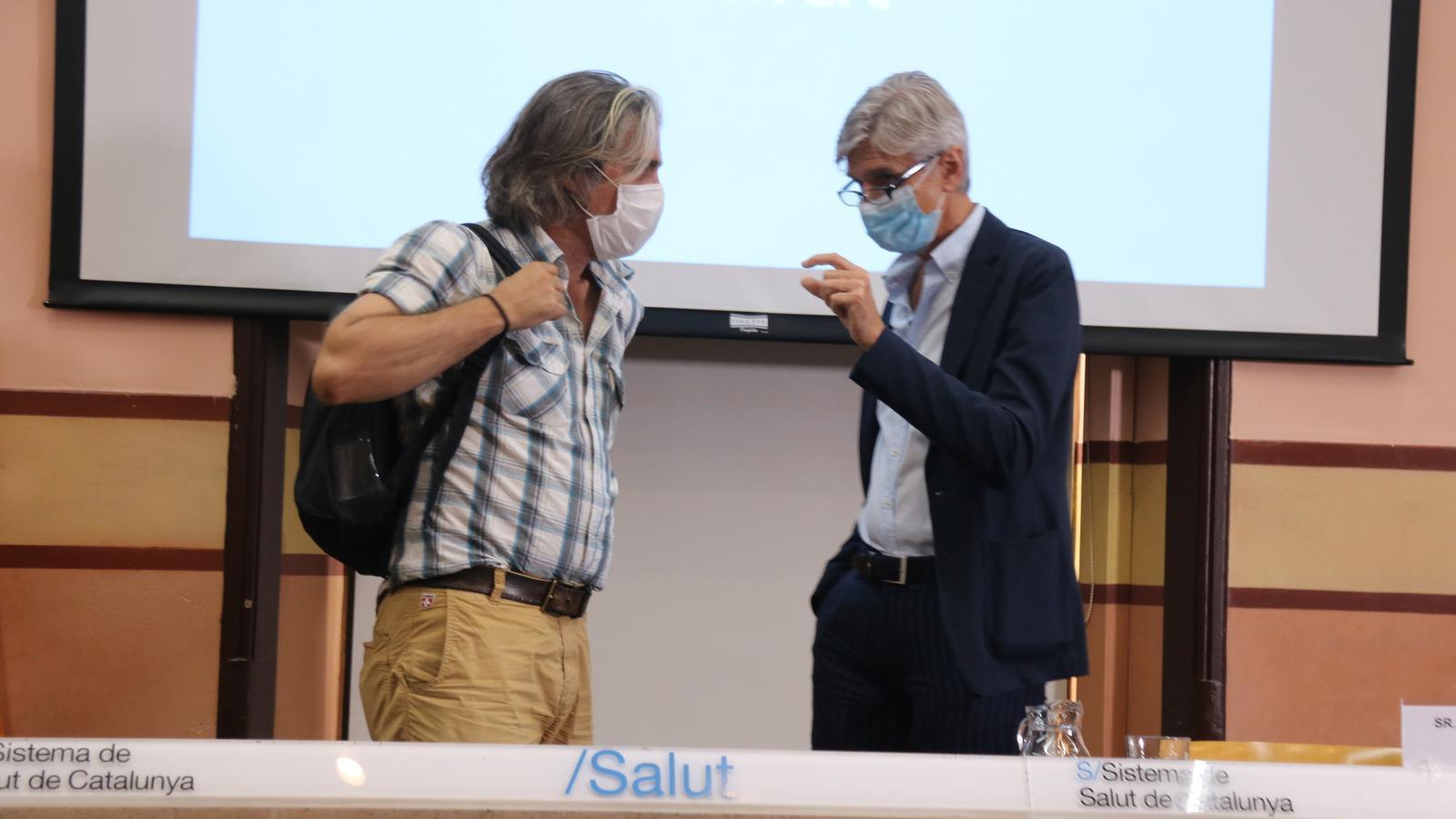 El secretari de Salut Pública, Josep Maria Argimon, i el coordinador de la unitat de seguiment del covid-19 a Catalunya, Jacobo Mendioroz.