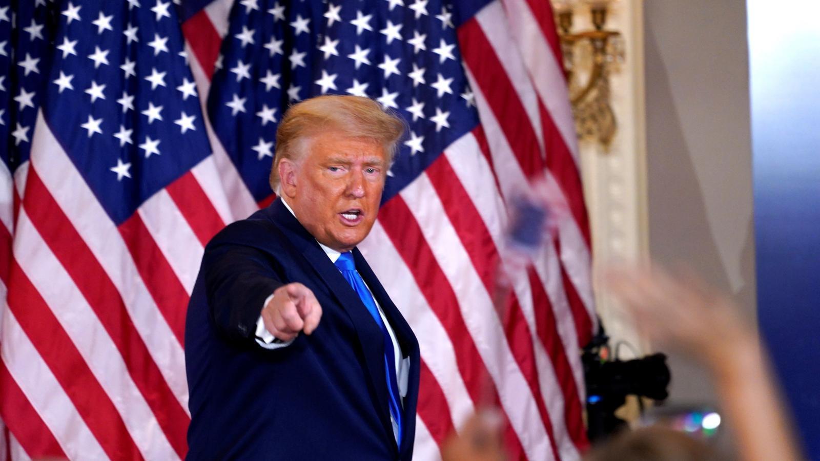 El president dels EEUU, Donald Trump, en un moment de la seva intervenció durant la nit electoral a la Casa Blanca / CHRIS KLEPONIS / POOL