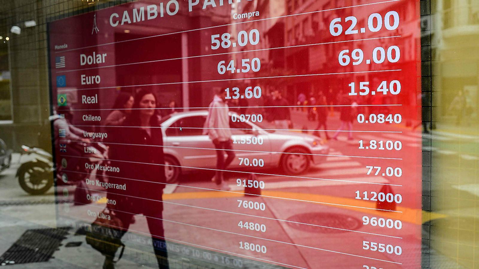 L'Argentina torna a estar a un pas de la fallida