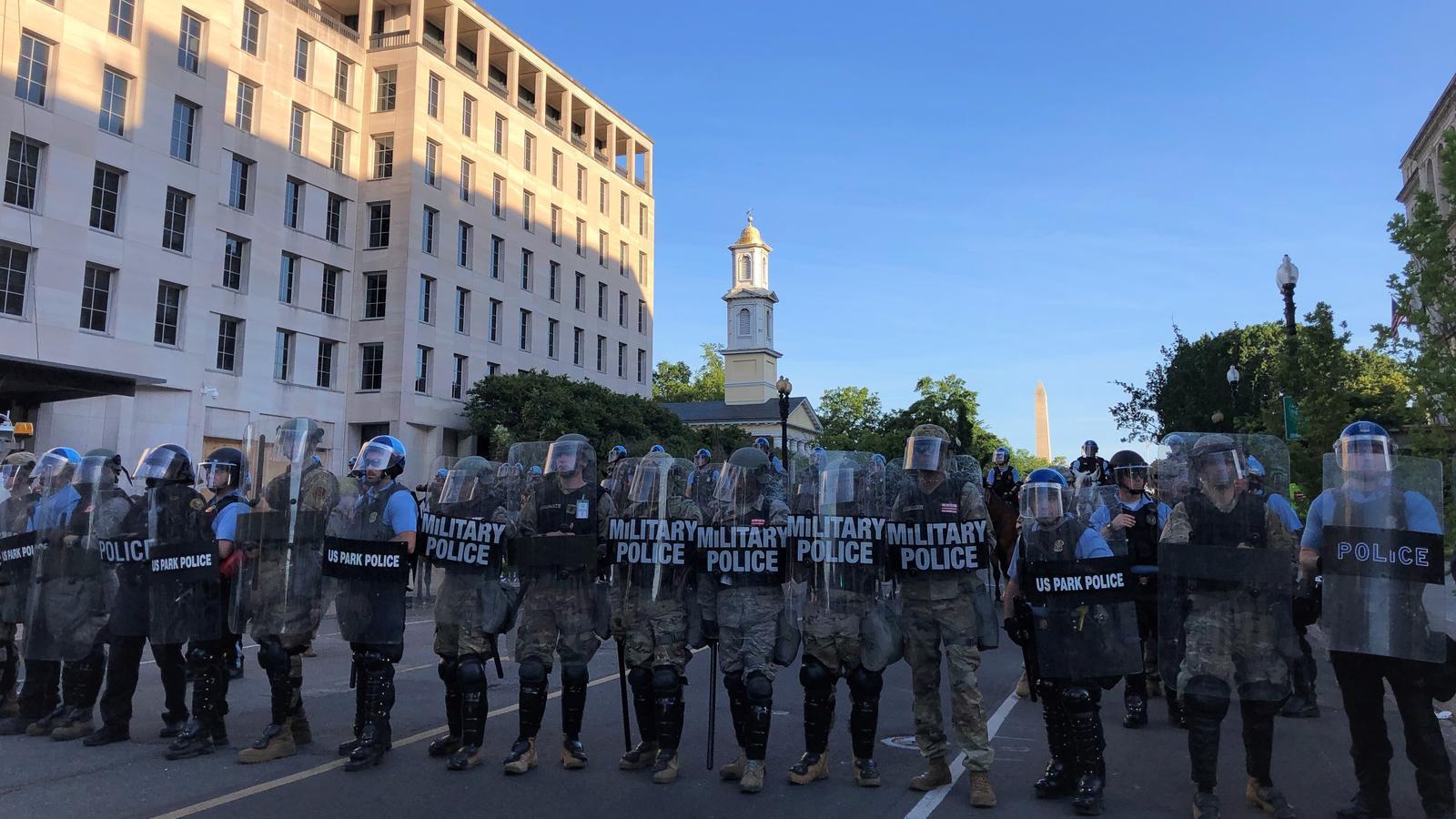 Policia militar desplegada als carrers de Washington