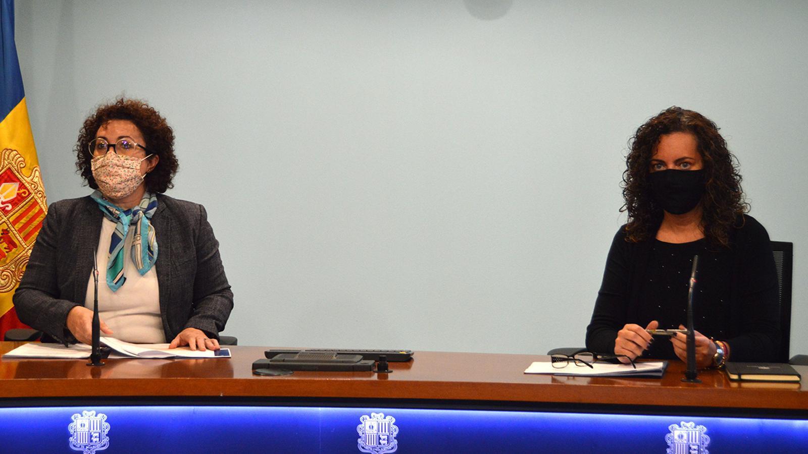 La ministra de Funció Pública i Simplificació de l'Administració, Judith Pallarés, amb la secretària d'Estat de Funció Pública, Lara Vilamala, durant la presentació del concurs que es treurà per digitalitzar l'administració. / M. F. (ANA)
