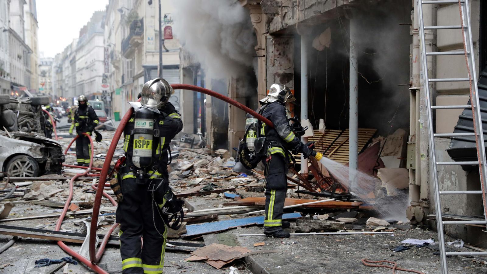 Augmenten a quatre els morts en l'explosió de gas a París