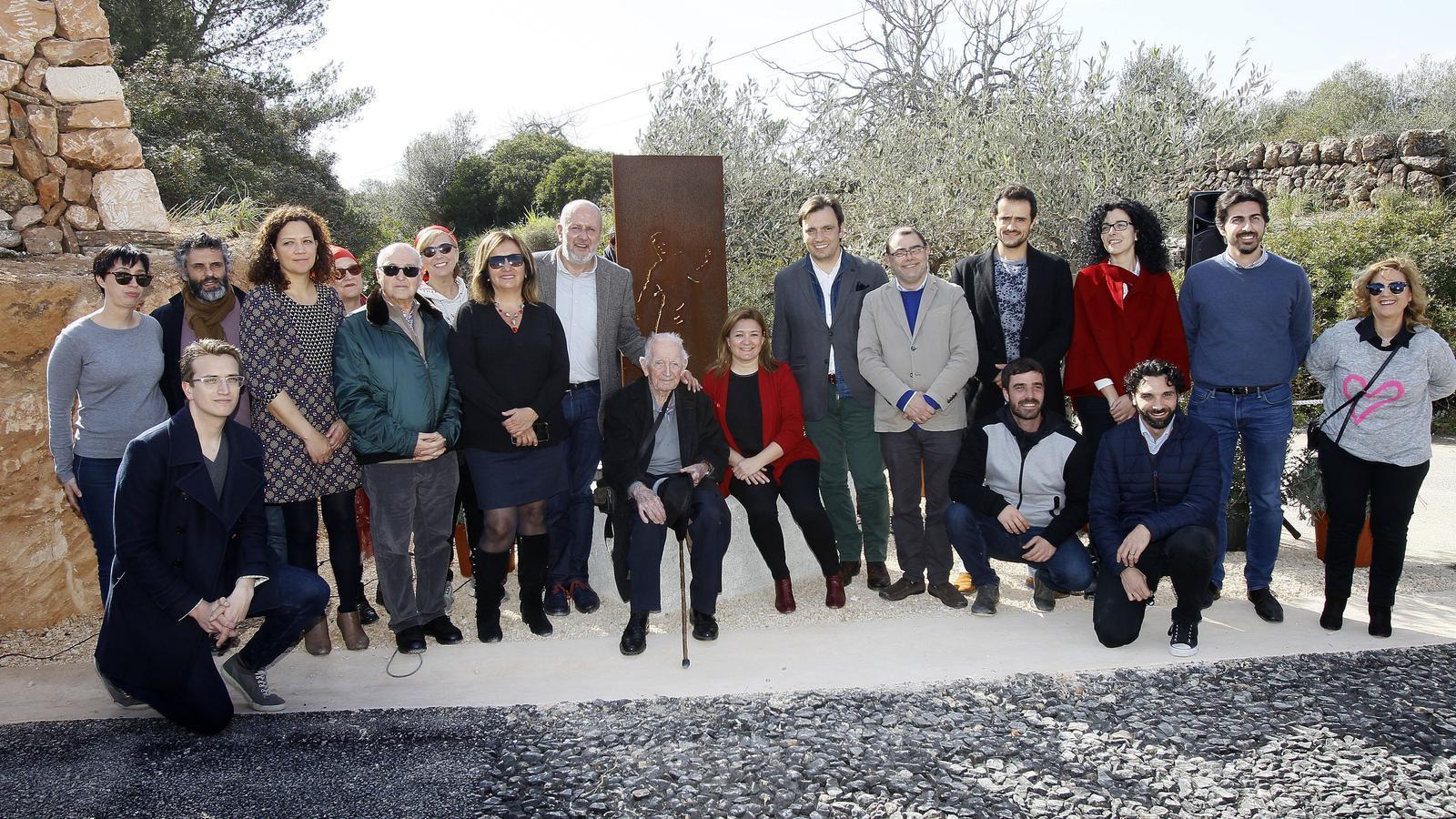 Els presos que Franco obligà a fer carreteres, homenatjats a Campos