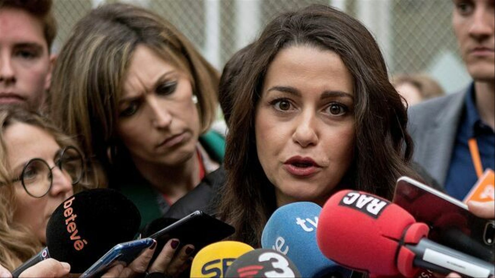 """Arrimadas es postula per dirigir Ciutadans: """"Em sento amb força per assumir el repte"""""""