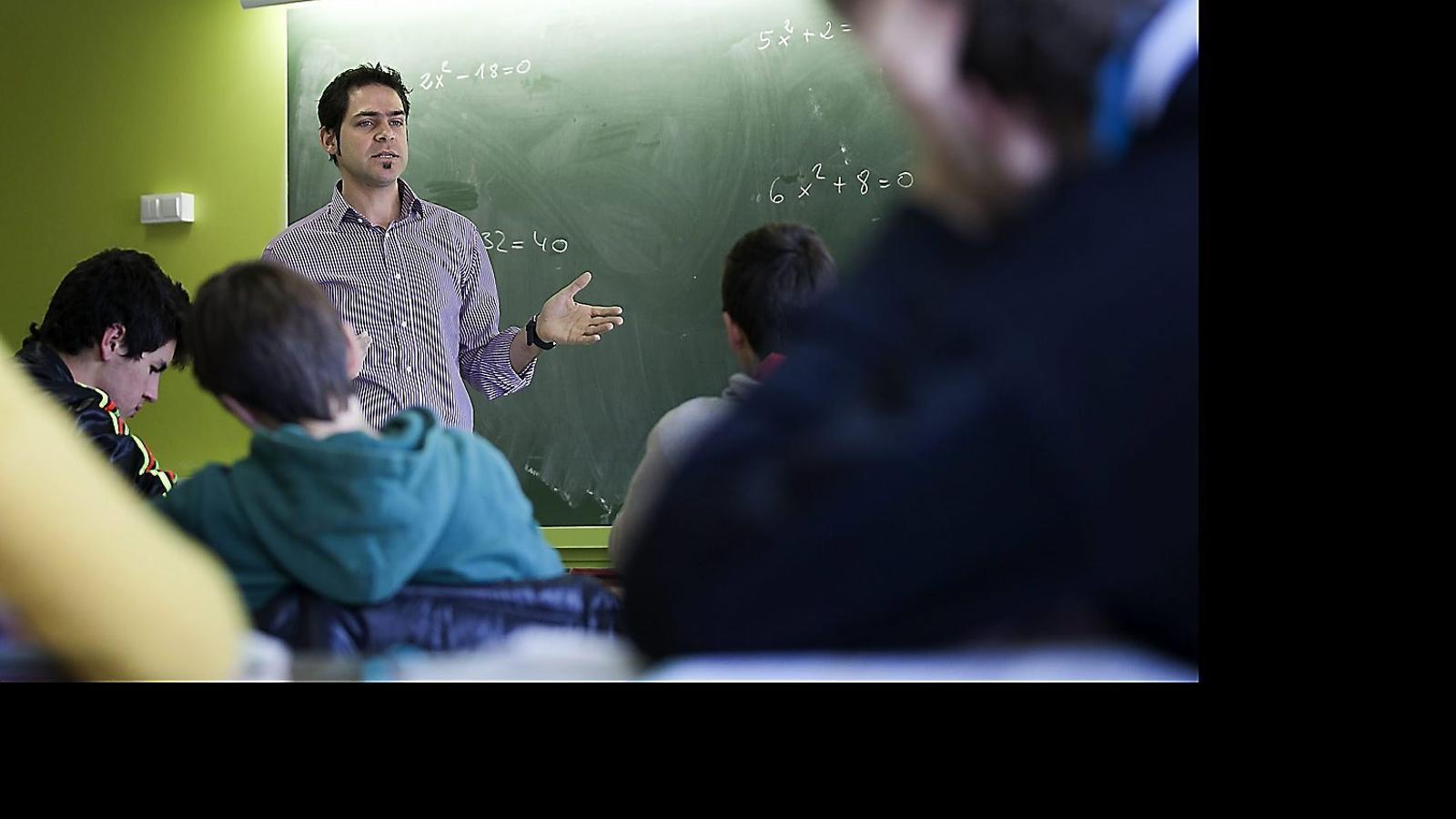 Els mestres són la clau de la millora educativa.