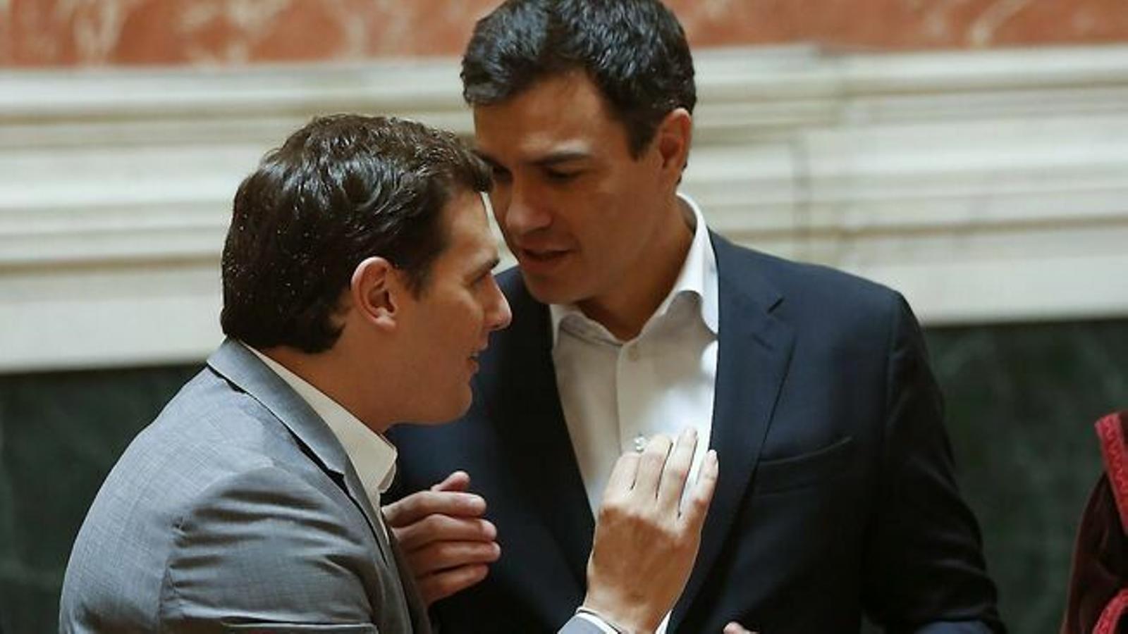 Imatge d'arxiu d'Albert Rivera i Pedro Sánchez al Congrés  / CHEMA MOYA / EFE