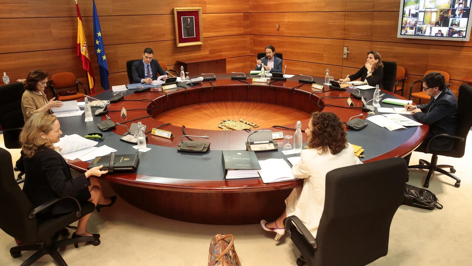 El Consell de Ministres aprova flexibilitzar els ERTOs i una nova línia de 24.500 milions en avals de l'ICO
