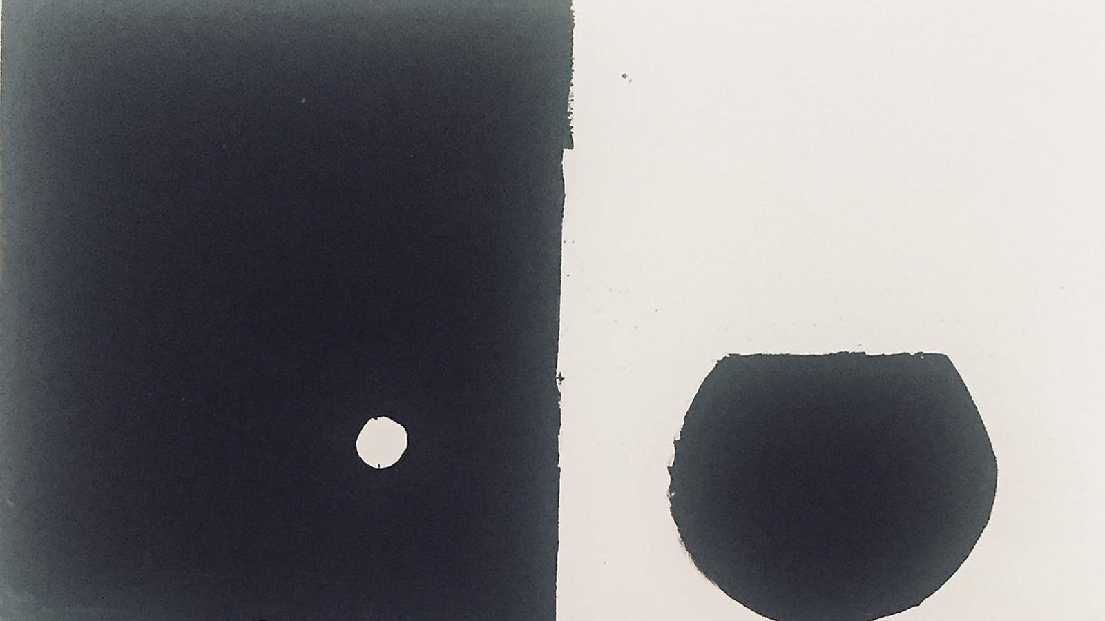De dalt a baix, Miguel Ángel Campano, davant la sèrie de punts que va fer per a la galeria Maior. Sense títol, un paisatge pintat sobre paper el 1992. Julio, tríptic sobre tela de l'any 2000, de la col·lecció de Sa Nostra. Subash,  20-9-94, obra dipositada a Es Baluard per l'Ajuntament de Palma.