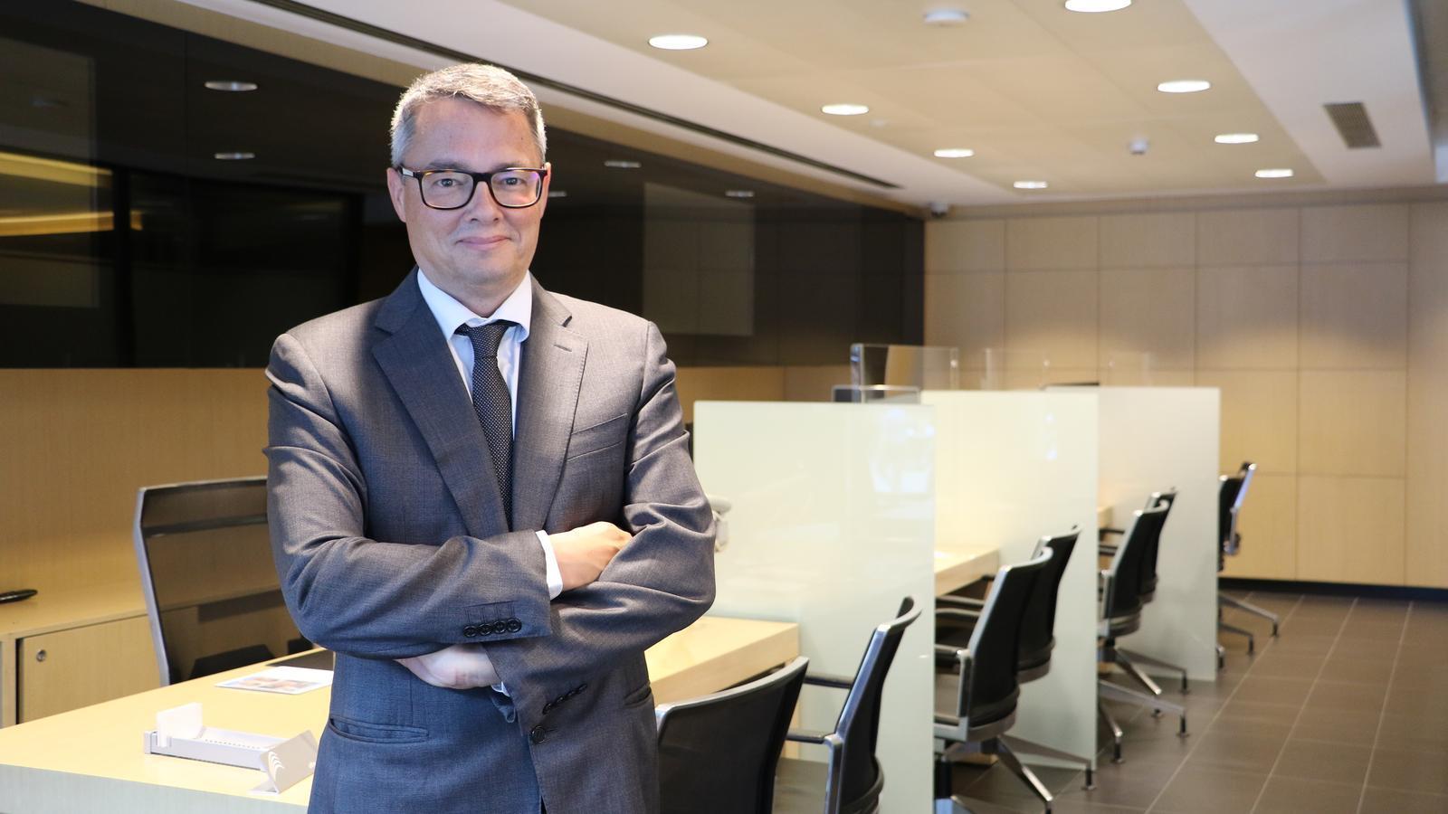 Alfred Mer, director de MoraBanc Assegurances, a les noves oficines de l'entitat. / E.C. (ANA)