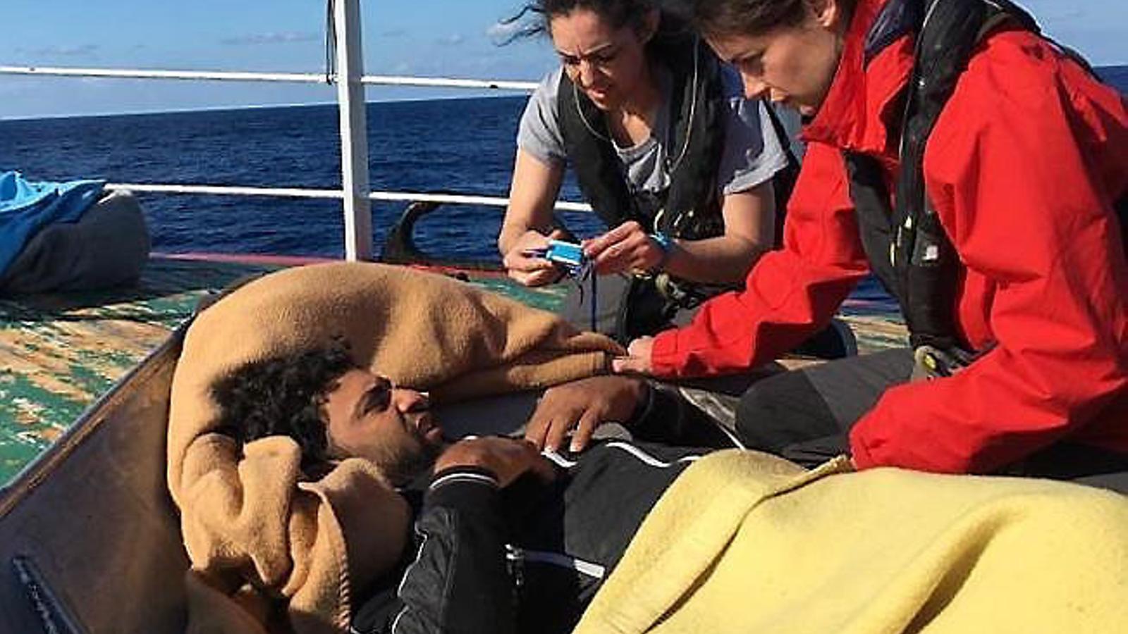 Els migrants rescatats pel pesquer valencià arriben a Malta