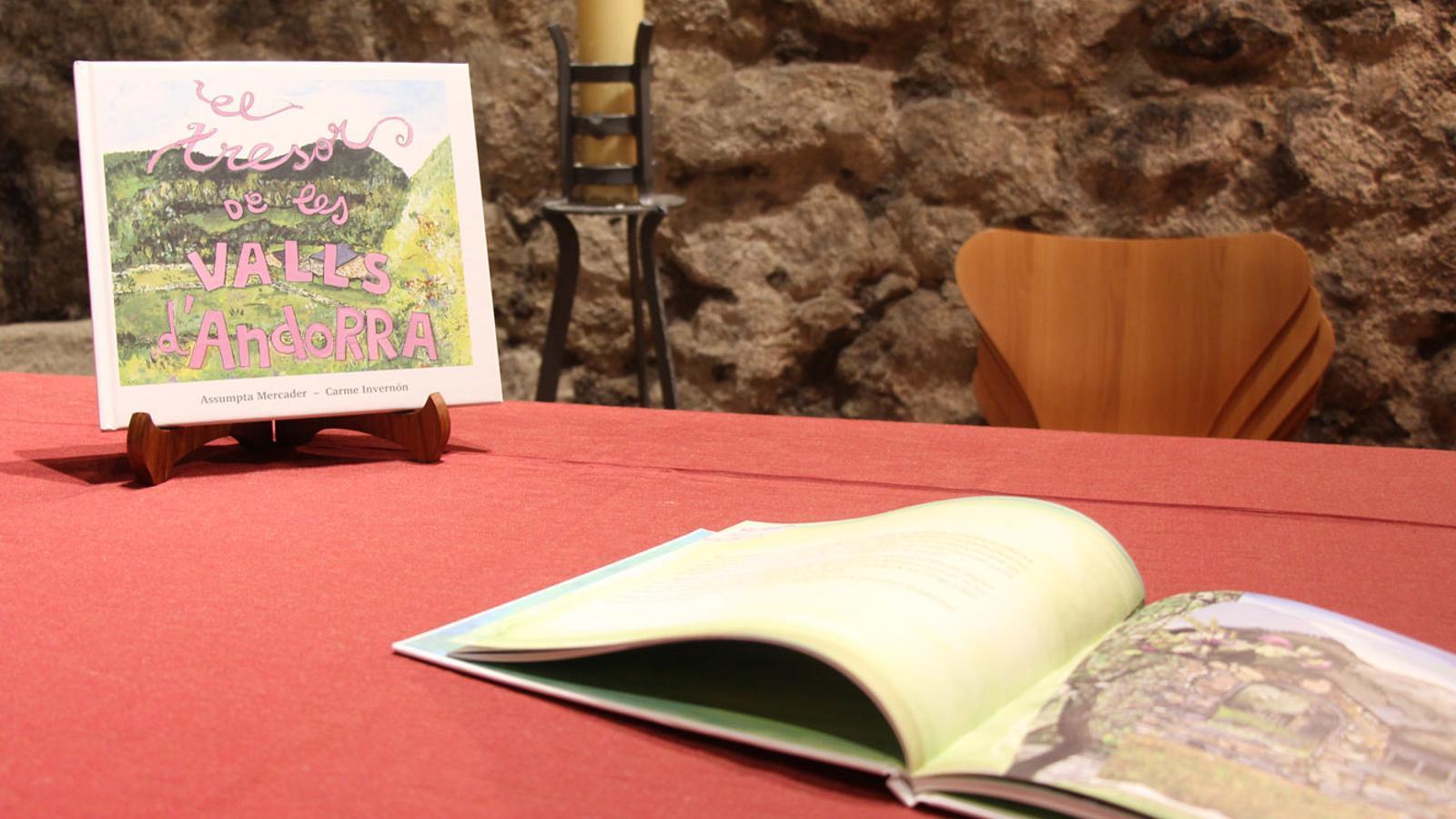 El conte infantil 'El tresor de les Valls' a l'església de Santa Coloma. / M. P. (ANA)