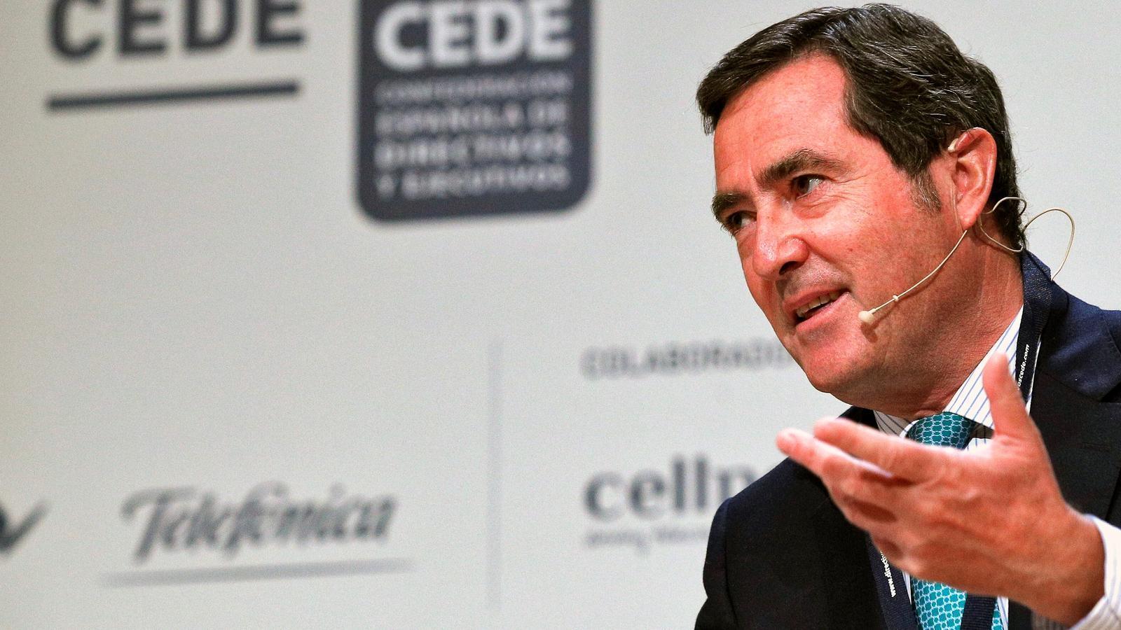 El president de la patronal CEOE, Antonio Garamendi, al congrés de la Confederación Española de Directivos i Ejecutivos (CEDE) celebrat a València
